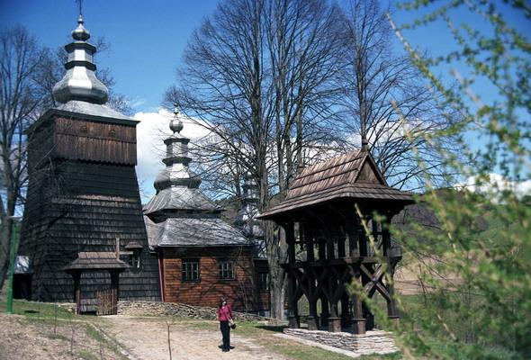 Cerkiew grecko - katolicka p.w. św. Kosmy i Damiana w Wojkowej - łemkowszczyzna.
