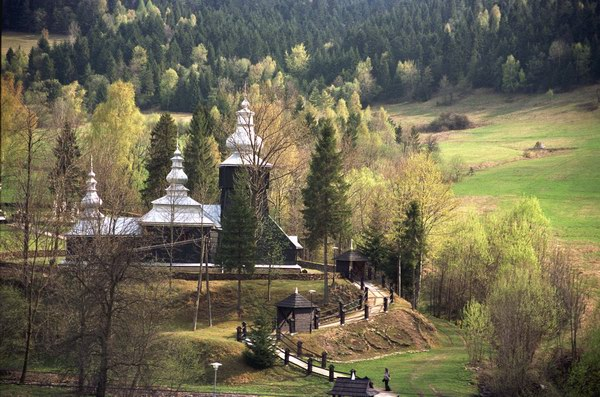 Czarna. Cerkiew grecko katolicka p.w. św. Dymitra z 1764 r. Obecnie kościół rzymsko katolicki. Łemkowszczyzna.