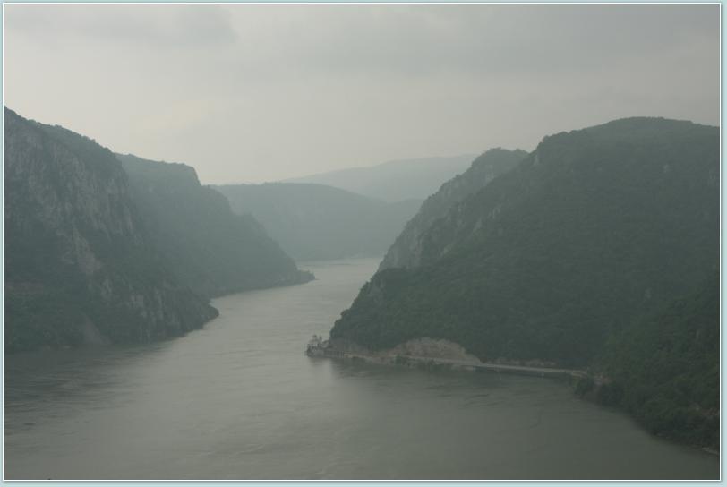 Dunaj widziany z serbskiego brzegu.